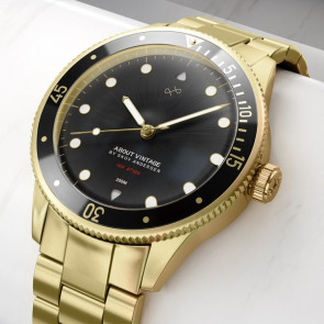 ABOUT VINTAGE - 1926 - AT'SEA GOLD/BLACK